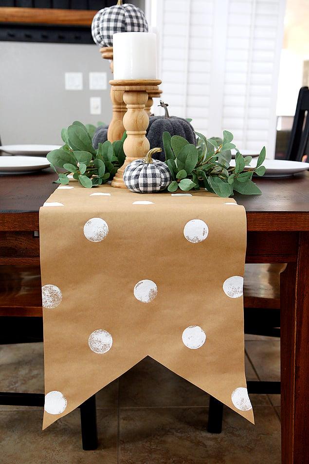 Kraftpaper tablecloth