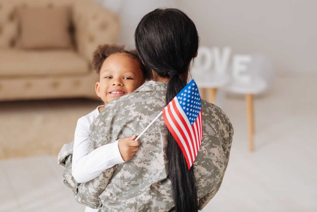 Military-Mom-with-Daughter-1024x684